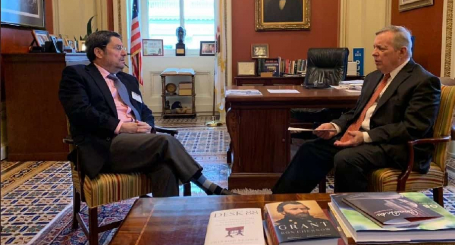 Francisco Santos, cuando era embajador, y el senador Dick Durbin