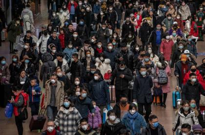 Habitantes de Wuhan, China