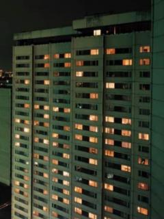 [Video] Extraño caso de mujer que cayó desde un piso 9, se levantó como si nada y caminó