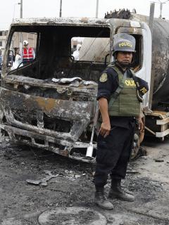 4 personas no soportaron quemaduras por explosión de camión en Perú; suben a 8 los muertos