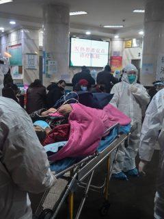 Muere médico por coronavirus, luego de atender pacientes infectados en China