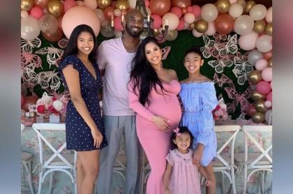 Natalia, Kobe, Vanessa, Gianna y Bianka Bryant