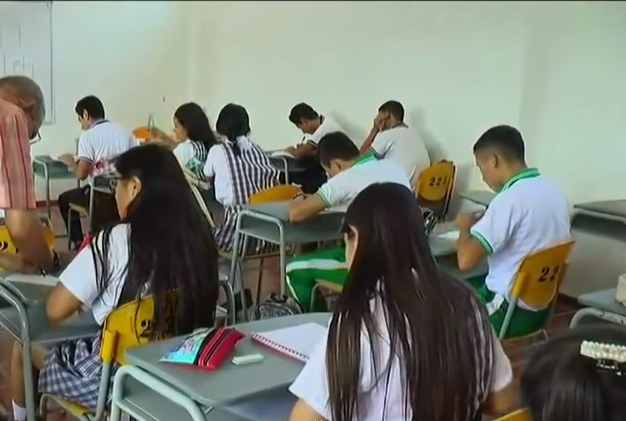 Alumnos de Colegio Roberto Suaza Marquínez