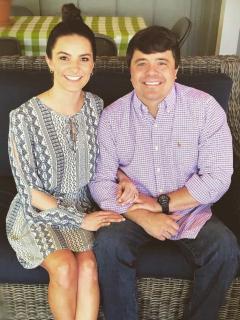Llevaba 11 años paralizado de sus piernas, pero ello no le impidió bailar el día de su matrimonio