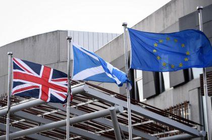 Banderas del Reino Unido, Escocia y la Unión Europea