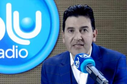 Néstor Morales, periodista de Blu Radio, reveló que toma varios fármacos para no contagiarse con el coronavirus.