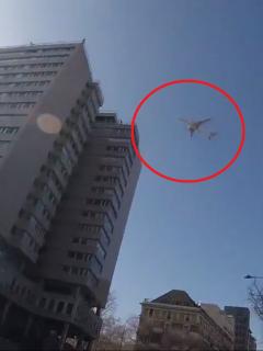 Avión de Air Canadá sobrevolando Madrid por emergencia