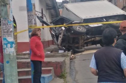 Furgón que se chocó contra iglesia en el sur de Bogotá