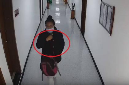 Mujer que roba bebé en Bogotá