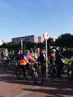 Trancón de ciclistas en día sin carro en Bogotá