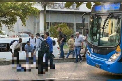 Mujer muere arrollada por bus del Mío