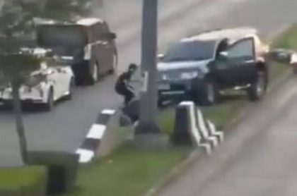 Soldado disparando en Tailandia