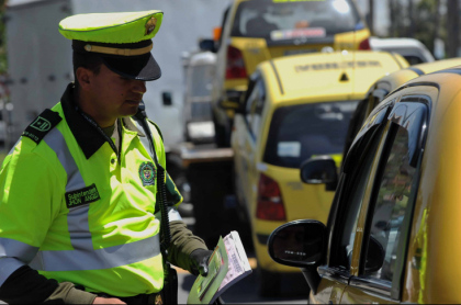 Policía de Tránsito.