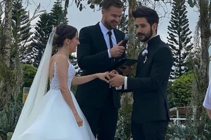 Evaluna Montaner y Camilo Echeverry en su matrimonio