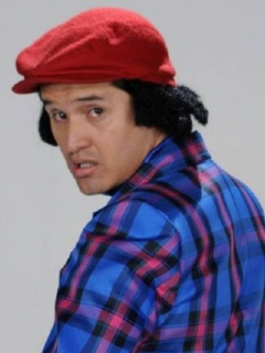 Manuel Medrano, cantante, y Hassam, humorista.