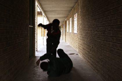 Estudiantes golpes, bullying, matoneo
