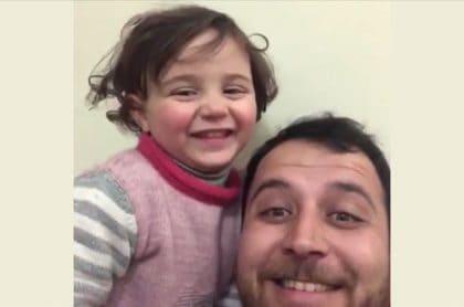 Papá hace creer a su hija que bombas es juego
