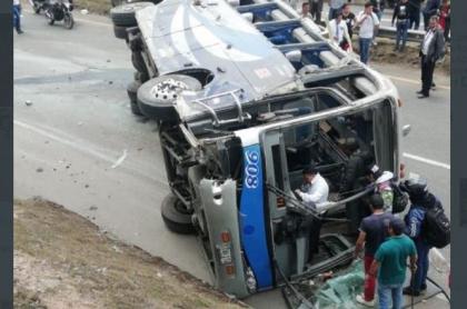 Accidente de bus en la vía Bogotá-Tunja