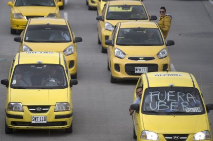 Taxis protestan por Uber