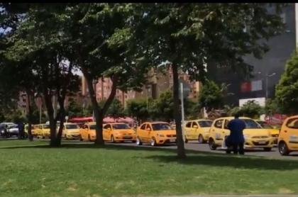 Taxistas en plan tortuga