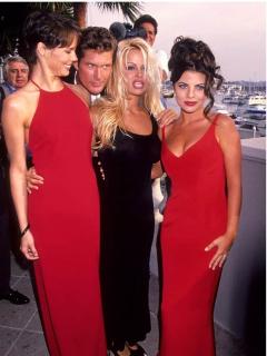 Actriz de 'Baywatch' que trasnochó a más de uno en los 90 está irreconocible