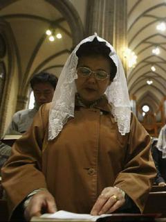 Mujer que no sabía que tenía coronavirus contagió a unos 80 feligreses de su iglesia