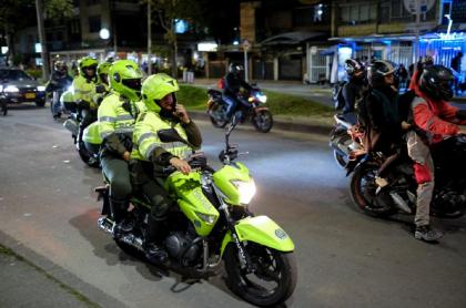 Policía en moto Bogotá