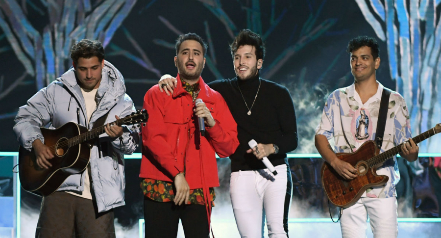 Julio Ramírez y Jesús Alberto Navarro Rosas de Reik; Sebastián Yatra, y Gilberto Bibi Marín Espinoza, también de Reik.
