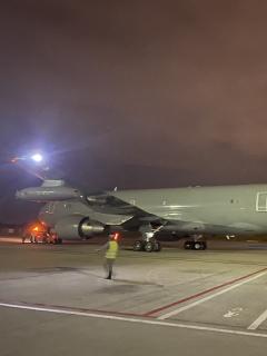 Avión que trae a colombianos de Wuhan aterrizó en Madrid; se espera esta noche en Bogotá
