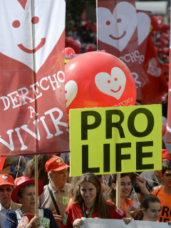 """""""Asesina"""": 89 % de mujeres que quieren abortar son acosadas por grupos antiaborto"""