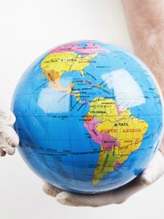 """OMS advierte que el mundo debe prepararse para una """"eventual pandemia"""" por coronavirus"""
