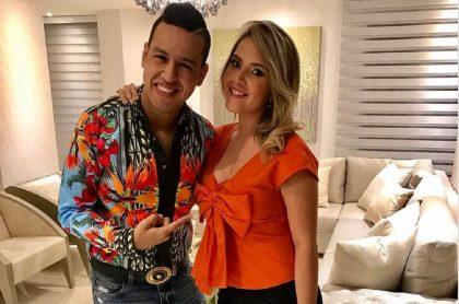 Martín Elías, cantante, y su esposa Dayana Jaimes.