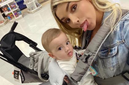 Melina Ramírez y su hijo Salvador Carvajal.