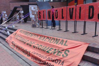 Organizaciones de víctimas protestas en el CNMH