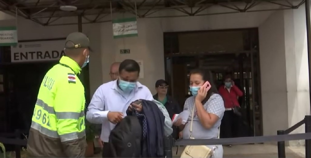 Por sospecha de coronavirus en Policía, director Atehortúa se ...