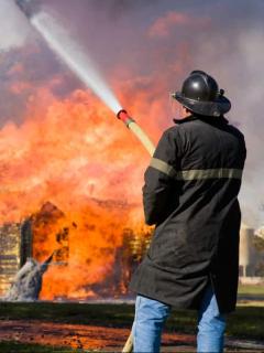 Imagen ilustrativa de nota sobre una abuela que murió junto a sus tres nietos en medio de voraz incendio en Texas (Estados Unidos).