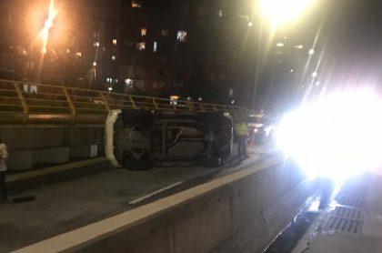 Accidente de tránsito en deprimido de la 94.