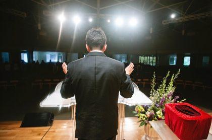 Pastor cristiano.