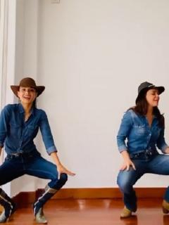 Paola Rey y Natasha Klauss, actrices.