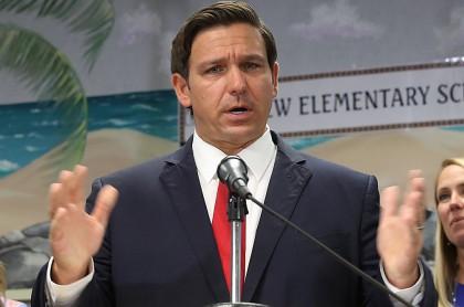 Ron DeSantis, gobernador de Florida, anuncia estado de emergencia