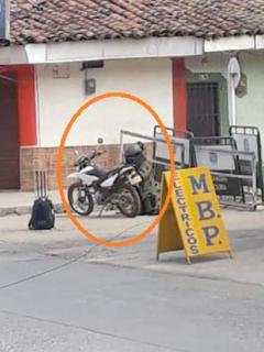 Desactivan moto con explosivos en Pradera