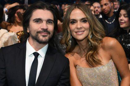 Juanes, cantante, con su esposa, Karen Martínez, actriz, presenadora y exreina.