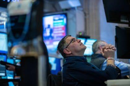 Bolsa de Nueva York suspendió operaciones.