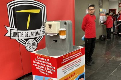 Transmilenio ya instaló los lavamanos portátiles en estaciones.