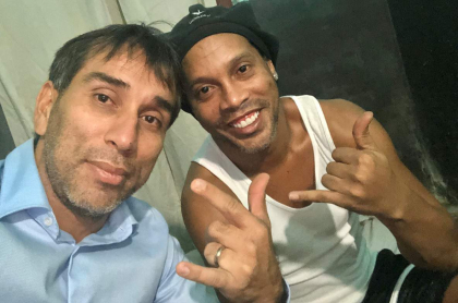 Nelson 'Pipino' Cuevas y Ronaldinho