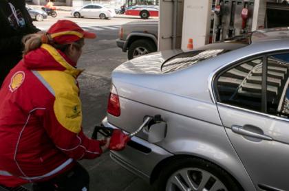 Bajan precios de la gasolina en Colombia.