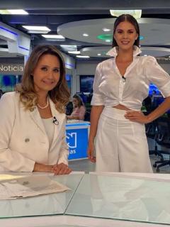 Inés María Zabaraín, Sandra Bohórquez y Jessica de la Peña, presentadoras.