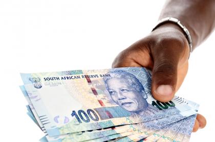 Billetes sudafricanos.