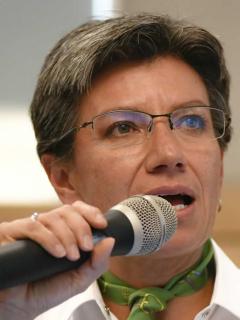 Claudia López y 'Pacho' Santos