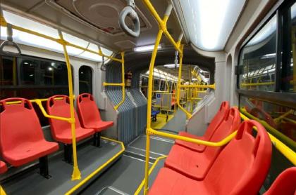 Interior de bus de Transmilenio